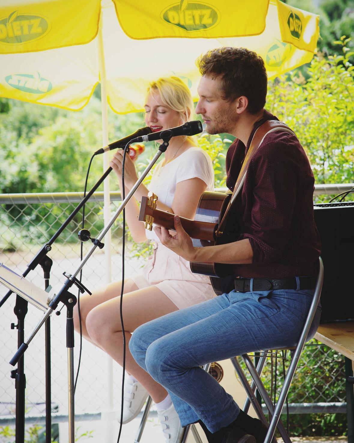 Cosma Sophia Leiner und Julian Kehrer von Cosmic July (Foto: Ralph Fischer)